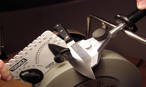 Заточка ножа с соблюдением углов рабочей поверхности